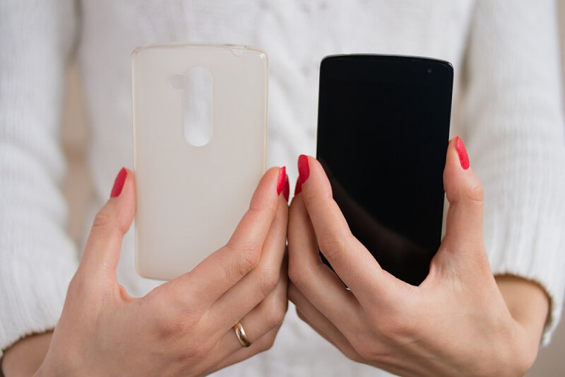 clean phone cover